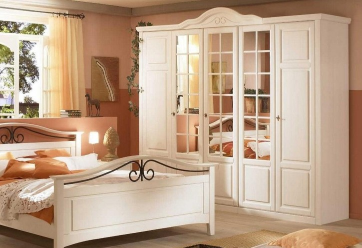 kleiderschrank 5trg sandra im landhausstil in weiss pinie. Black Bedroom Furniture Sets. Home Design Ideas