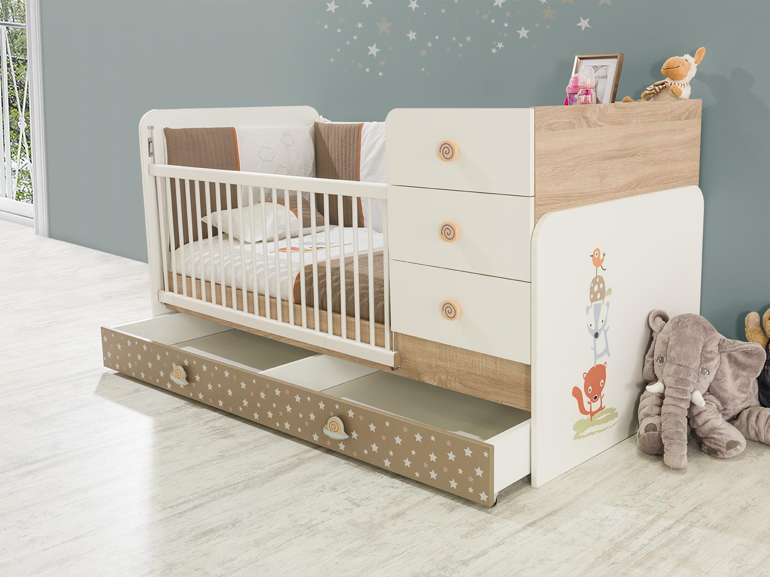Babyzimmer carino bett vergr erbar braun beige weiss tier for Babyzimmer braun