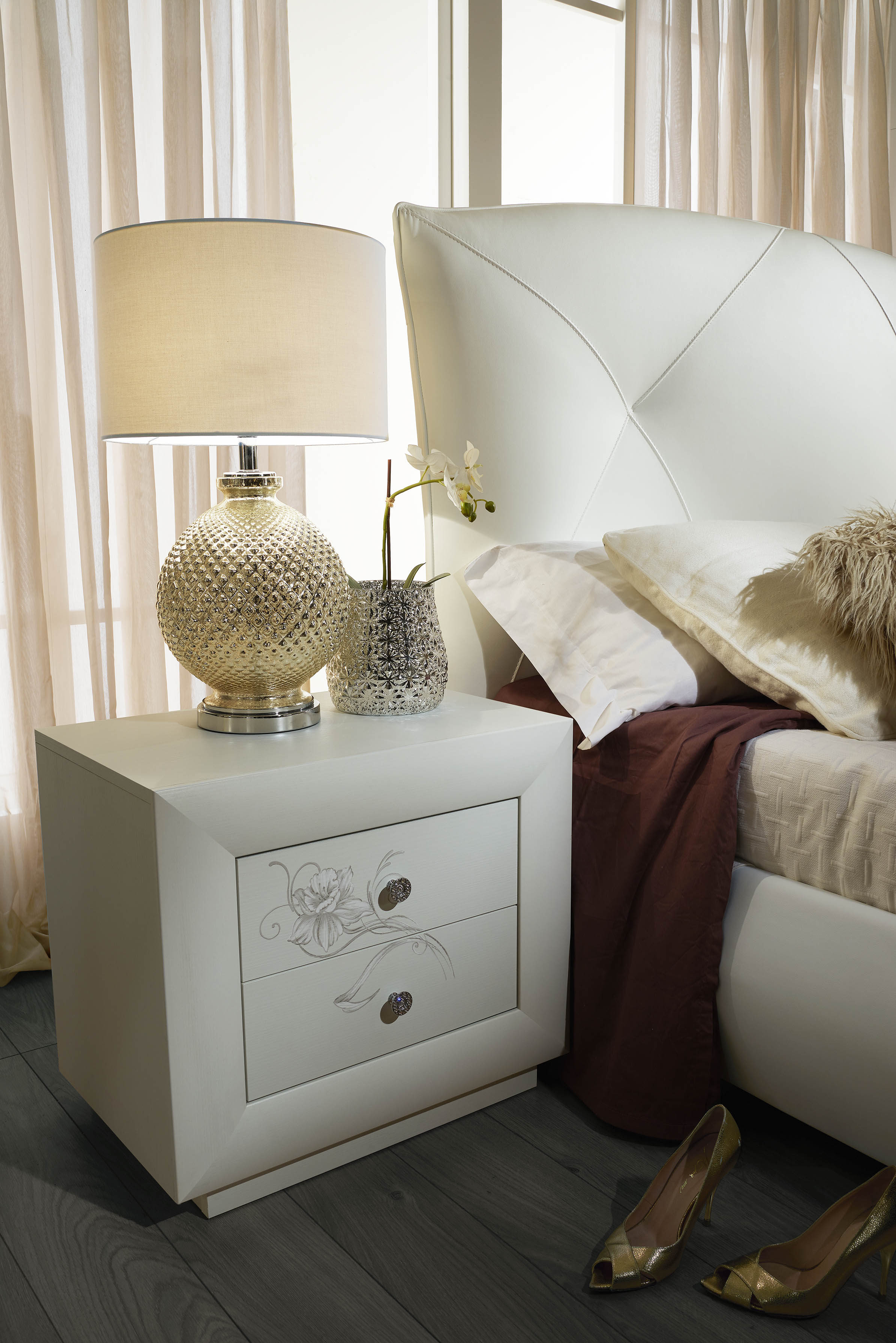 schlafzimmer set camilla in wei 180x200 cm mit kommode. Black Bedroom Furniture Sets. Home Design Ideas